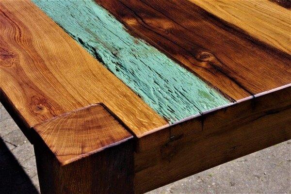 Mesa barnizada
