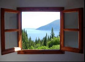 Restaurando el marco de una ventana de madera saber y hacer - Hacer una ventana de madera ...