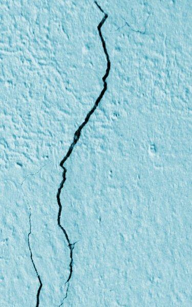 Reparar grietas en paredes deterioradas saber y hacer - Reparar grietas pared ...